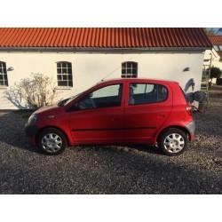 Toyota Yaris, 1,0 Luna, Benzin, 2000
